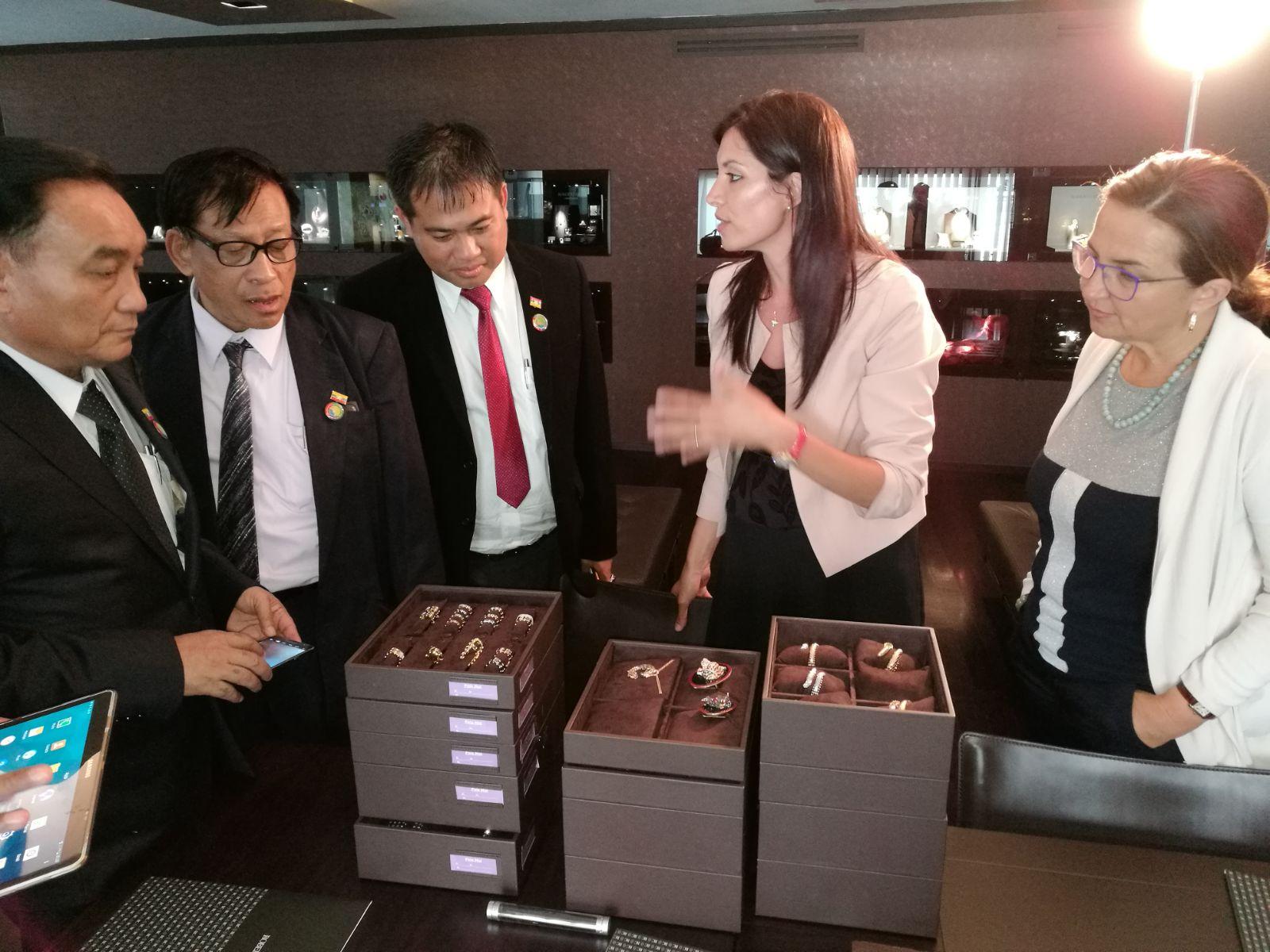 Myanmar: Study Tour nel settore delle gemme e pietre preziose