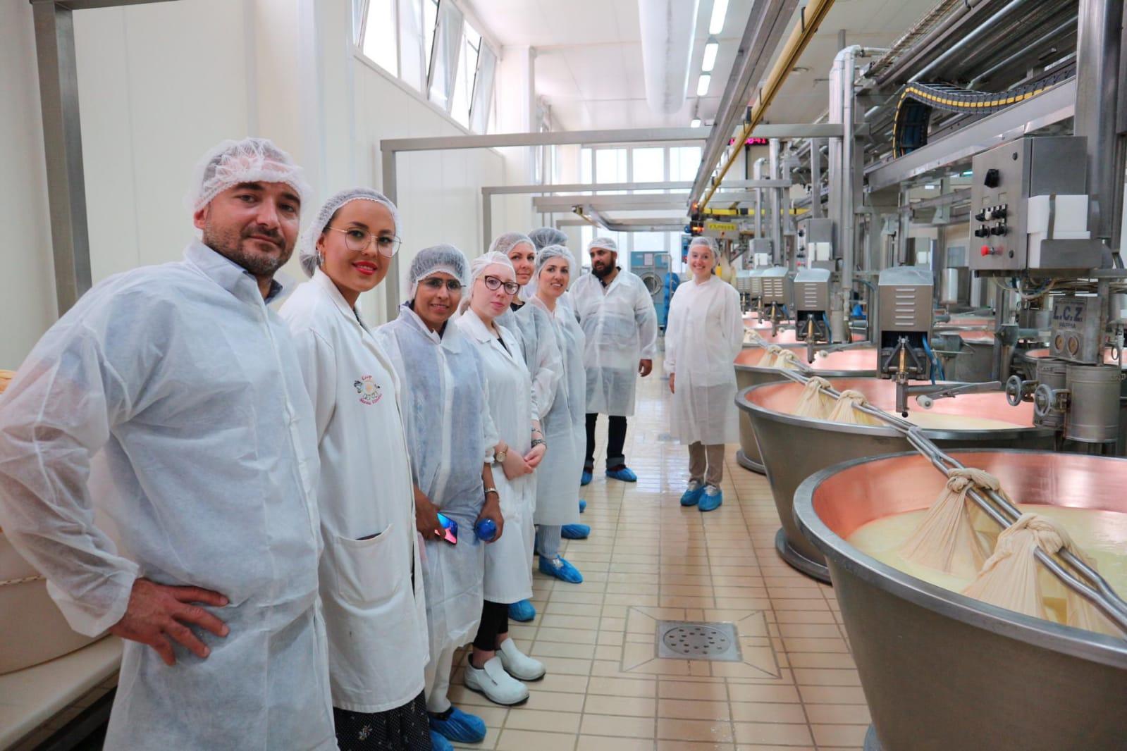 L'UNIDO ITPO Italy e Ozolea accompagnano una delegazione pakistana in un tour nel settore lattiero-caseario