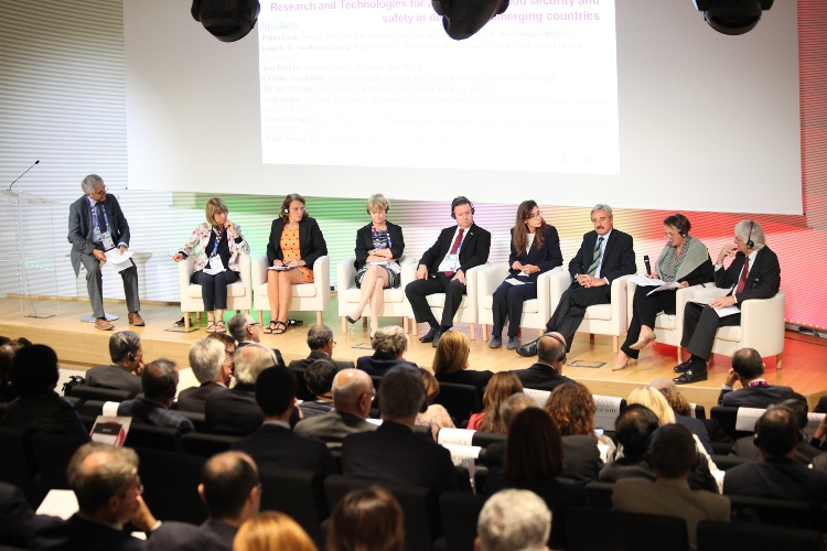 EXPO Milano: World Food Research and Innovation Forum 2015