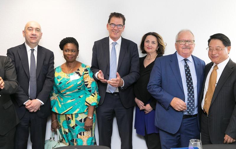 Cerimonia di apertura del nuovo Ufficio ITPO a Bonn